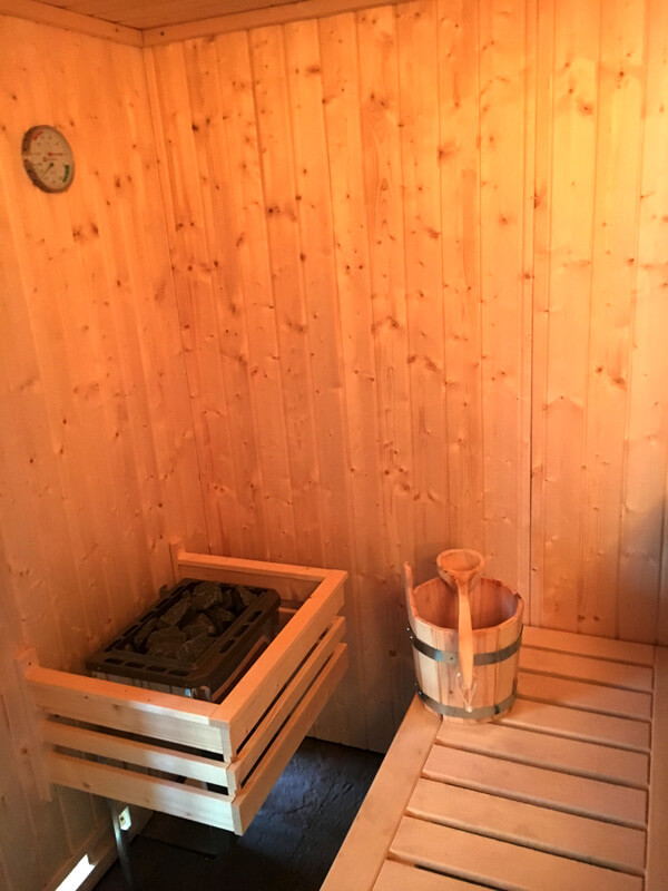 sauna innen zum alten backhaus. Black Bedroom Furniture Sets. Home Design Ideas