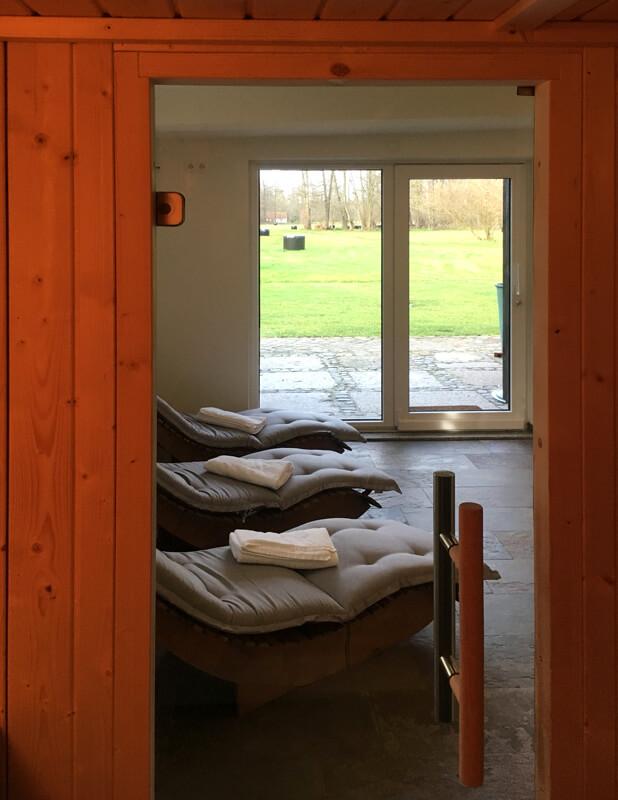sauna tuer zum alten backhaus. Black Bedroom Furniture Sets. Home Design Ideas